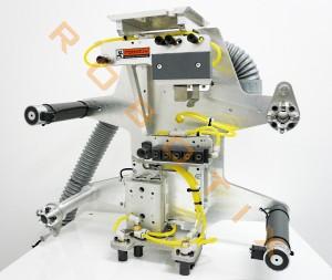 Entnahme- und Einlegegreifer für 13 Stück 2 verschiedener Schraubentypen